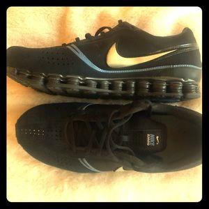 NIKE + Running Shoes - M9 - BLK/BLU w Slvr Swoosh